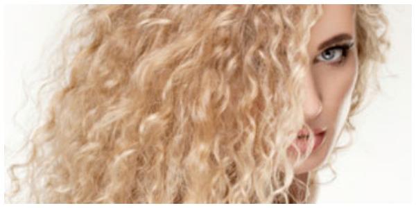 Blonde krullen