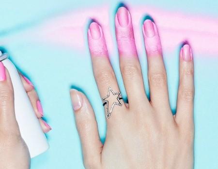 Spray On Nagellak: Een Manicure In Een Spuitbus