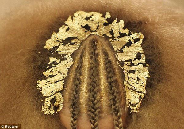 Gold Leaf Hair 2