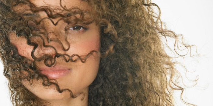 Voorkeur 6 Dingen Die Je Krulpatroon Kunnen Veranderen | Curly Hair Talk &WJ19