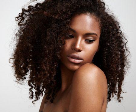 8 Tekenen Van Beschadigd Haar En Zo Los Je Ze Op