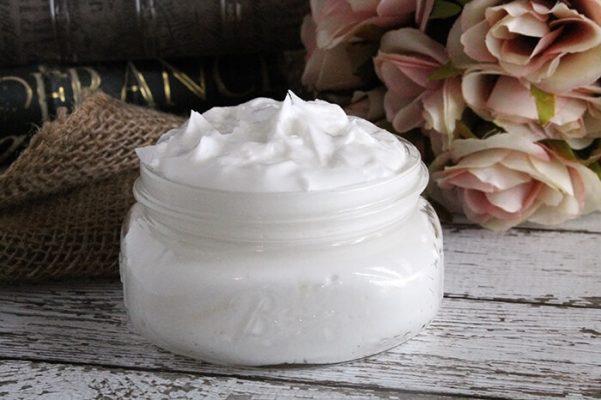 DIY: Maak Met Slechts 3 Ingrediënten Je Eigen Curl Defining Cream